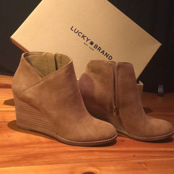 2e9e4c086a06 Lucky Brand Shoes - Lucky Brand yakeena booties